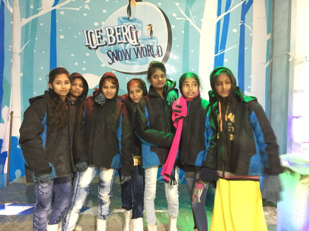New Year Celebration with 115 kids at Iceberg snow world